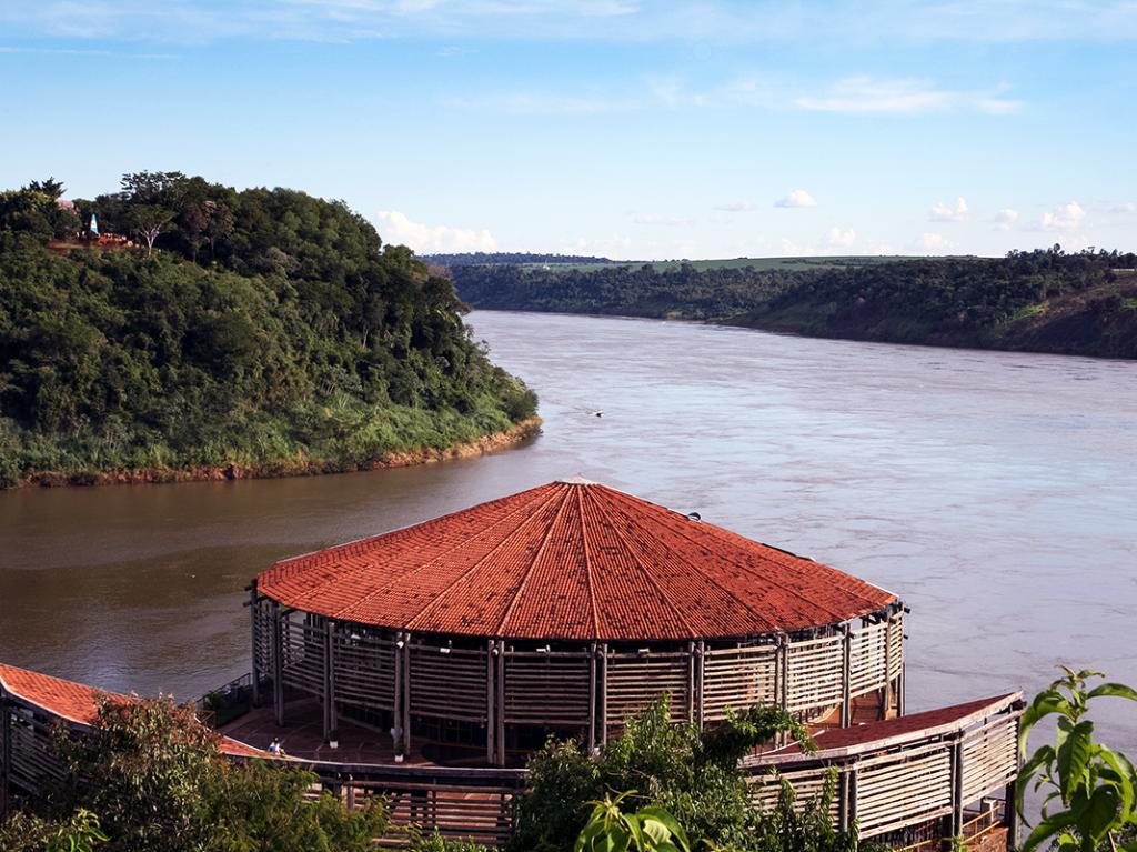 Paraná River, Paraguay